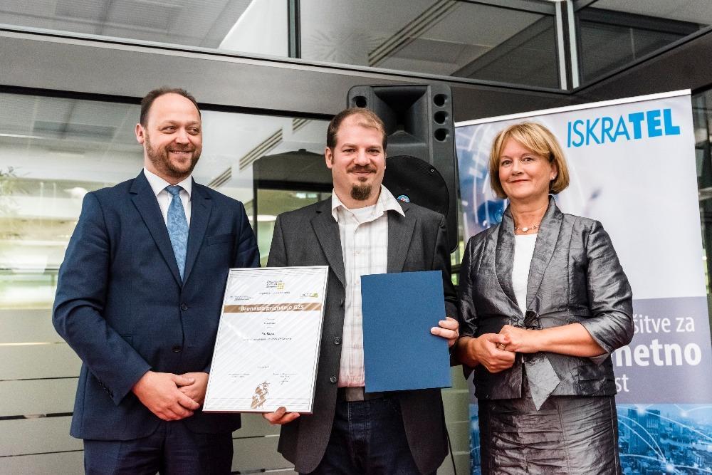 podelitev bronastega priznanja za inovacije za trdo milo razkošni oreh